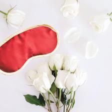 【6折好价】Iluminage 铜离子抗皱舒睡眼罩 红色 £15(约134元),满40英镑免费