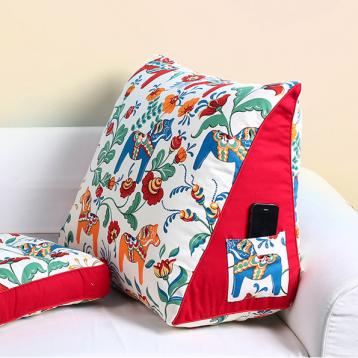 与床为伴的神器!棉麻布艺三角形大抱枕 5折 ¥89