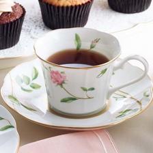 美观精致!NARUMI 鸣海 骨瓷咖啡杯碟套装 一对 亚马逊海外购 8.6折 直邮中国